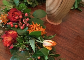 Fall table garland Funeral Urn