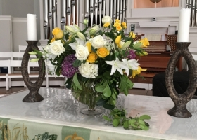 Large family funeral vase arrangment Wayzata Minnesota