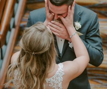 Wedding Northland Marriott Minneapolis couples first look