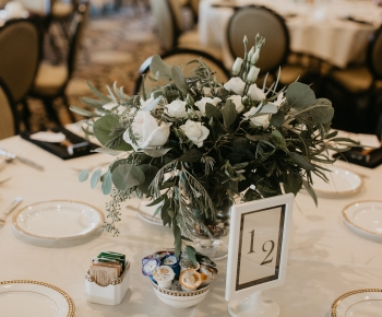 Wedding table center piece by Minneapolis Florist Anne Monroe