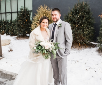 Minneapolis Marriott West Winter Wedding by Bloomberry Floral