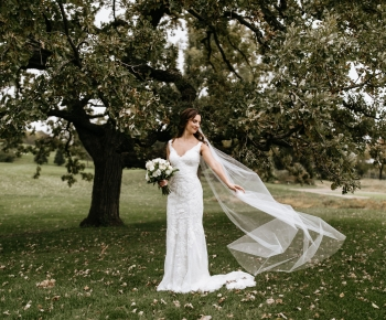 Bride at Wayzata Country Club MN